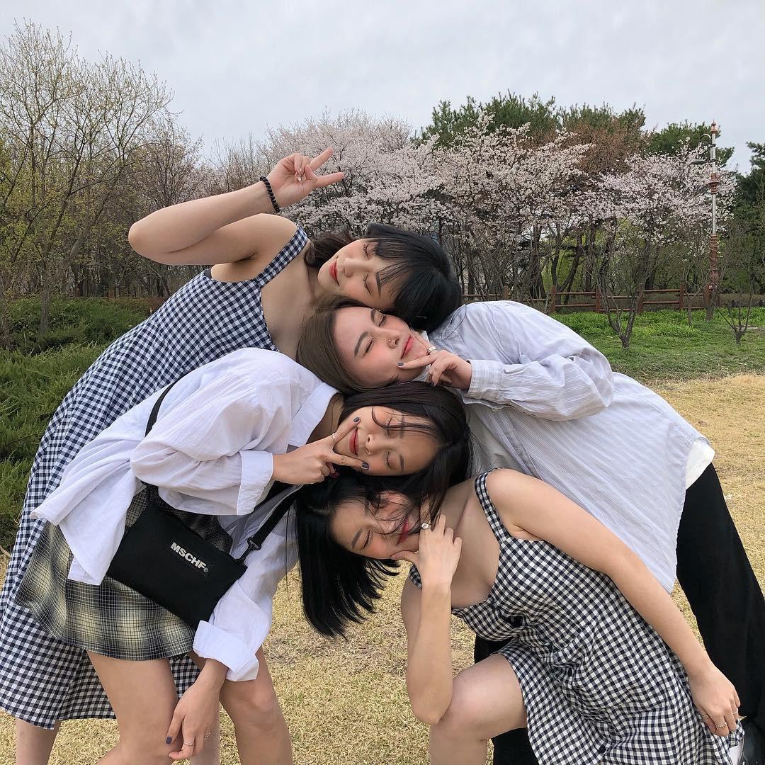 Hội bạn thân mới toanh gồm 4 du học sinh Việt tại Hàn, phong cách xinh xắn như idol sắp debut - Ảnh 1.