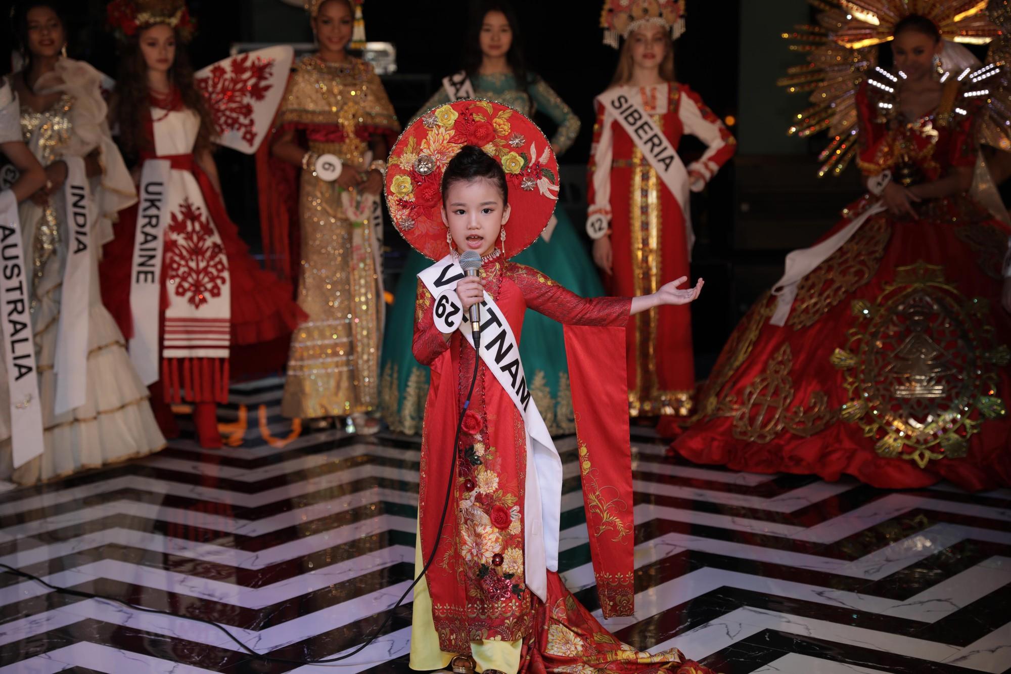 """""""Hoa hậu Hoàn vũ nhí 2019"""" Bảo Anh sau đăng quang: Cô Phạm Hương đã truyền cảm hứng để đi thi từ năm 3 tuổi - Ảnh 6."""