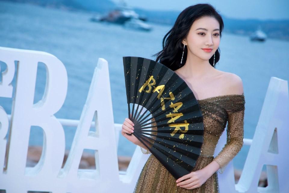 Sự kiện bên lề Cannes: Ming Xi - Sui He cạnh tranh sắc vóc khốc liệt, Lưu Đào - Quan Hiểu Đồng chẳng chịu lép vế - Ảnh 24.