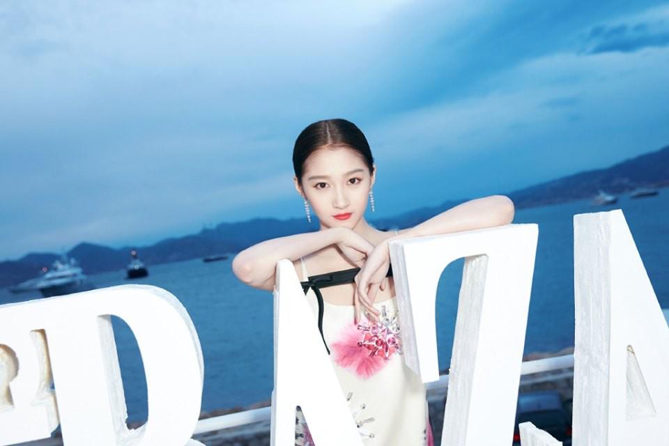 Sự kiện bên lề Cannes: Ming Xi - Sui He cạnh tranh sắc vóc khốc liệt, Lưu Đào - Quan Hiểu Đồng chẳng chịu lép vế - Ảnh 21.