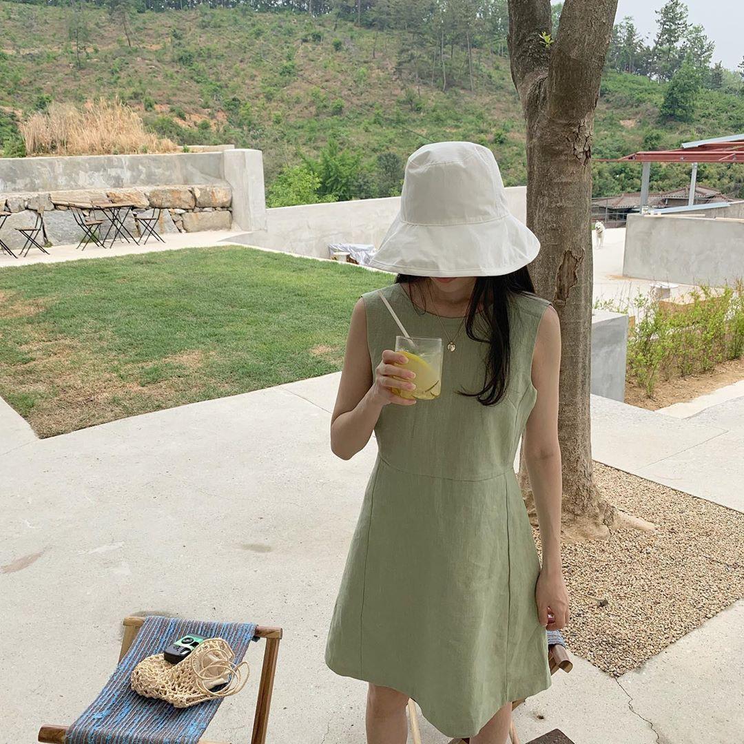 Việc lên đồ ngày nóng chẳng còn là cực hình với 10 gợi ý váy vóc max xinh và mát rười rượi này - Ảnh 8.