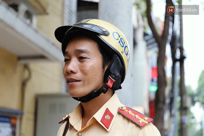 Chuyện người chiến sỹ CSGT được anh em tài xế Sài Gòn gọi bằng cái tên thân mật: Anh Đạt kích bình, cứ gọi là có - Ảnh 2.