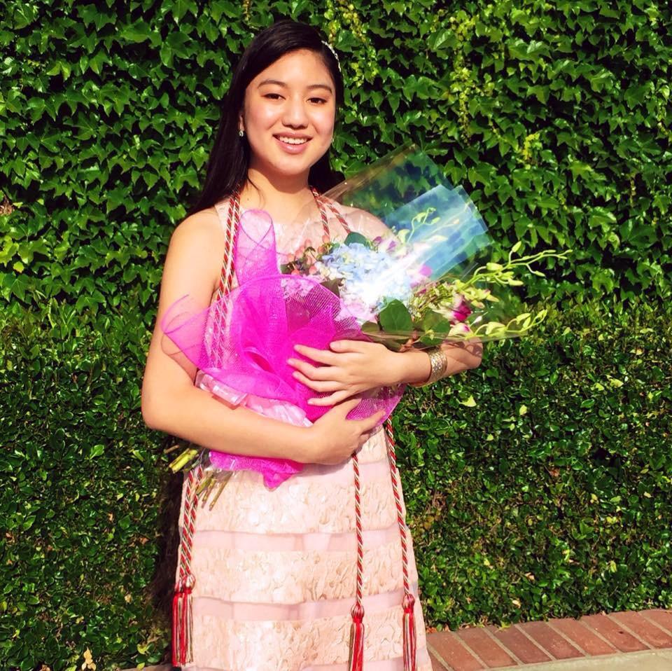 Nữ sinh gốc Việt gây bão truyền thông quốc tế: 14 tuổi nhận bằng tốt nghiệp cấp 3, 19 tuổi trở thành dược sĩ trẻ tuổi nhất bang California, Mỹ - Ảnh 1.