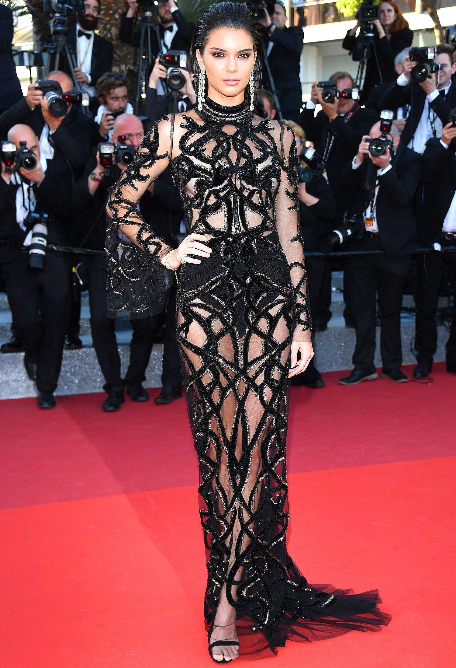 Kendall Jenner, Bella Hadid hay hotgirl Hoa ngữ từng gây sốc vì mặc như không, nhưng vẫn phải chào thua Ngọc Trinh! - Ảnh 4.