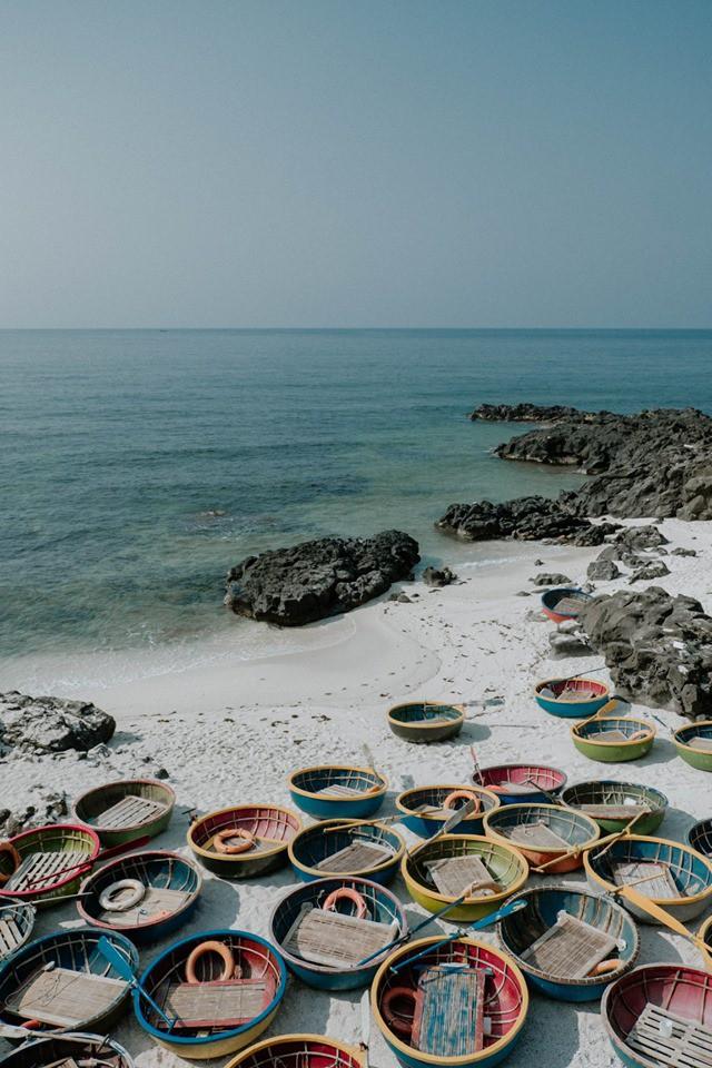 Cứ tưởng chụp ở nước ngoài, ai ngờ vùng biển trong vắt này lại nằm ngay ở Việt Nam mà lại còn rất dễ đi! - Ảnh 12.