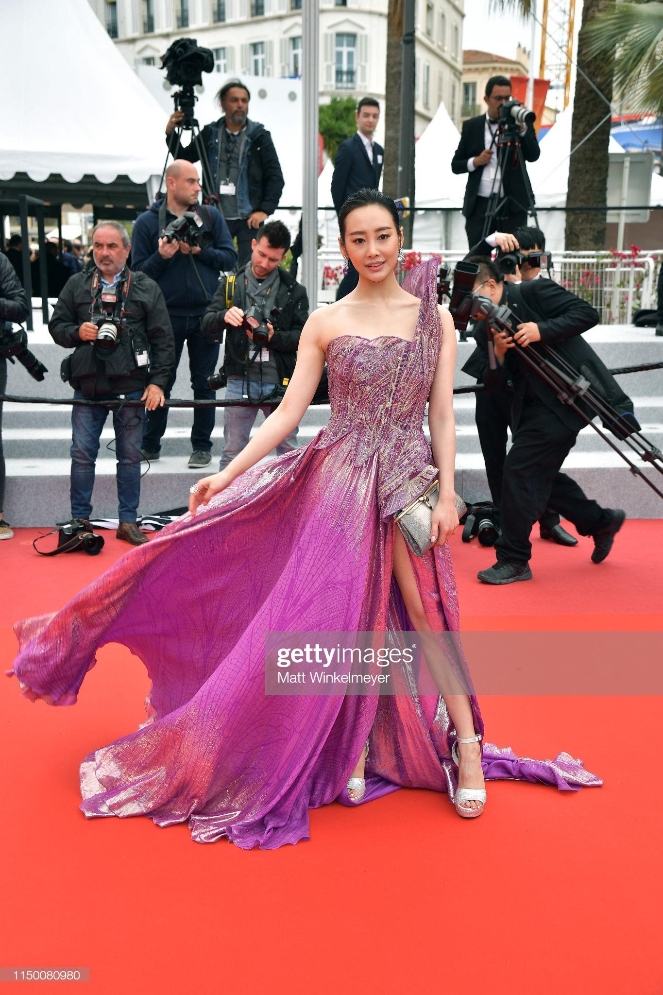 Thảm đỏ Cannes nhường spotlight cho Nick Jonas cung phụng Hoa hậu, Sui He gây sốc như không mặc gì - Ảnh 20.