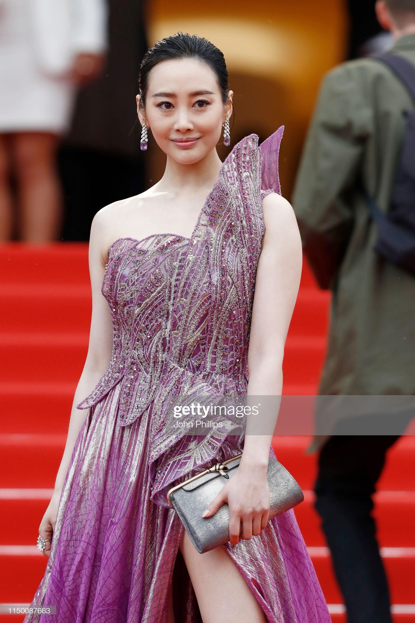 Thảm đỏ Cannes nhường spotlight cho Nick Jonas cung phụng Hoa hậu, Sui He gây sốc như không mặc gì - Ảnh 21.