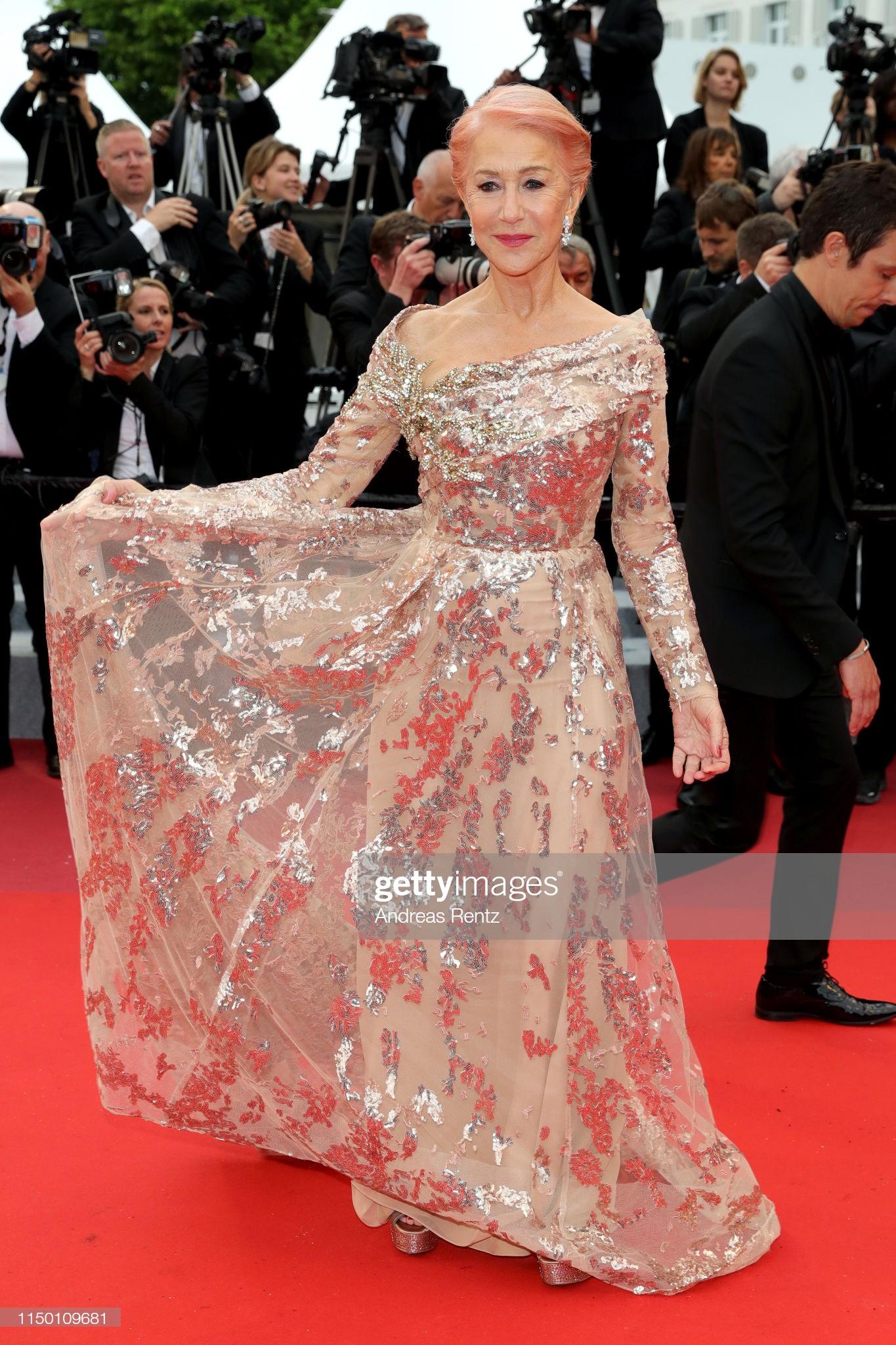 Thảm đỏ Cannes nhường spotlight cho Nick Jonas cung phụng Hoa hậu, Sui He gây sốc như không mặc gì - Ảnh 34.