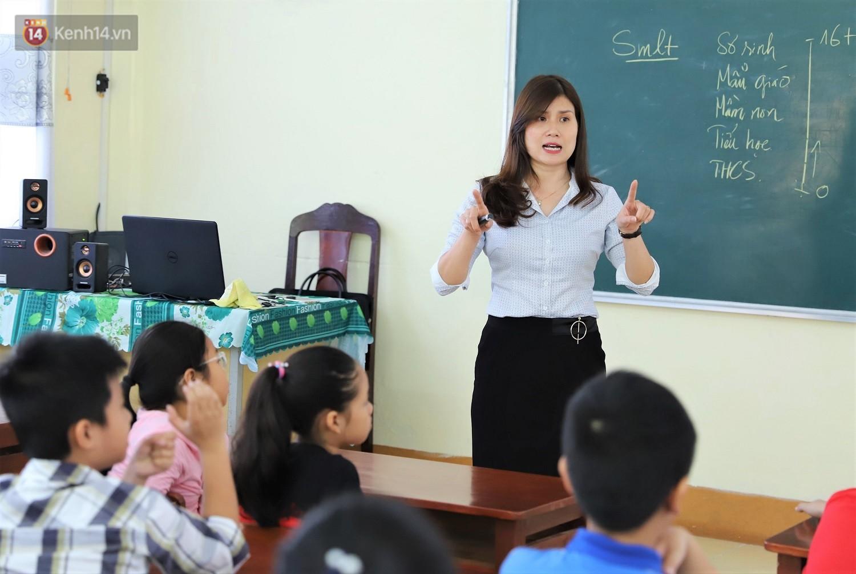 Chuyện của má Loan - Cô hiệu phó mở lớp dạy chống xâm hại tình dục miễn phí vào mỗi sáng Chủ nhật ở Đà Nẵng - Ảnh 3.