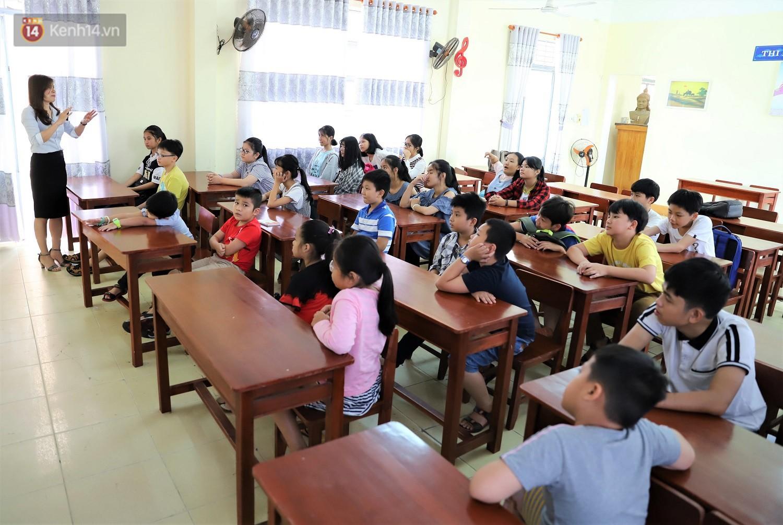 Chuyện của má Loan - Cô hiệu phó mở lớp dạy chống xâm hại tình dục miễn phí vào mỗi sáng Chủ nhật ở Đà Nẵng - Ảnh 2.
