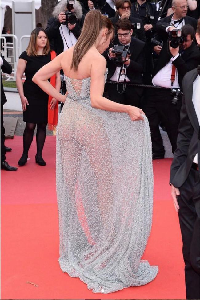 Kendall Jenner, Bella Hadid hay hotgirl Hoa ngữ từng gây sốc vì mặc như không, nhưng vẫn phải chào thua Ngọc Trinh! - Ảnh 21.