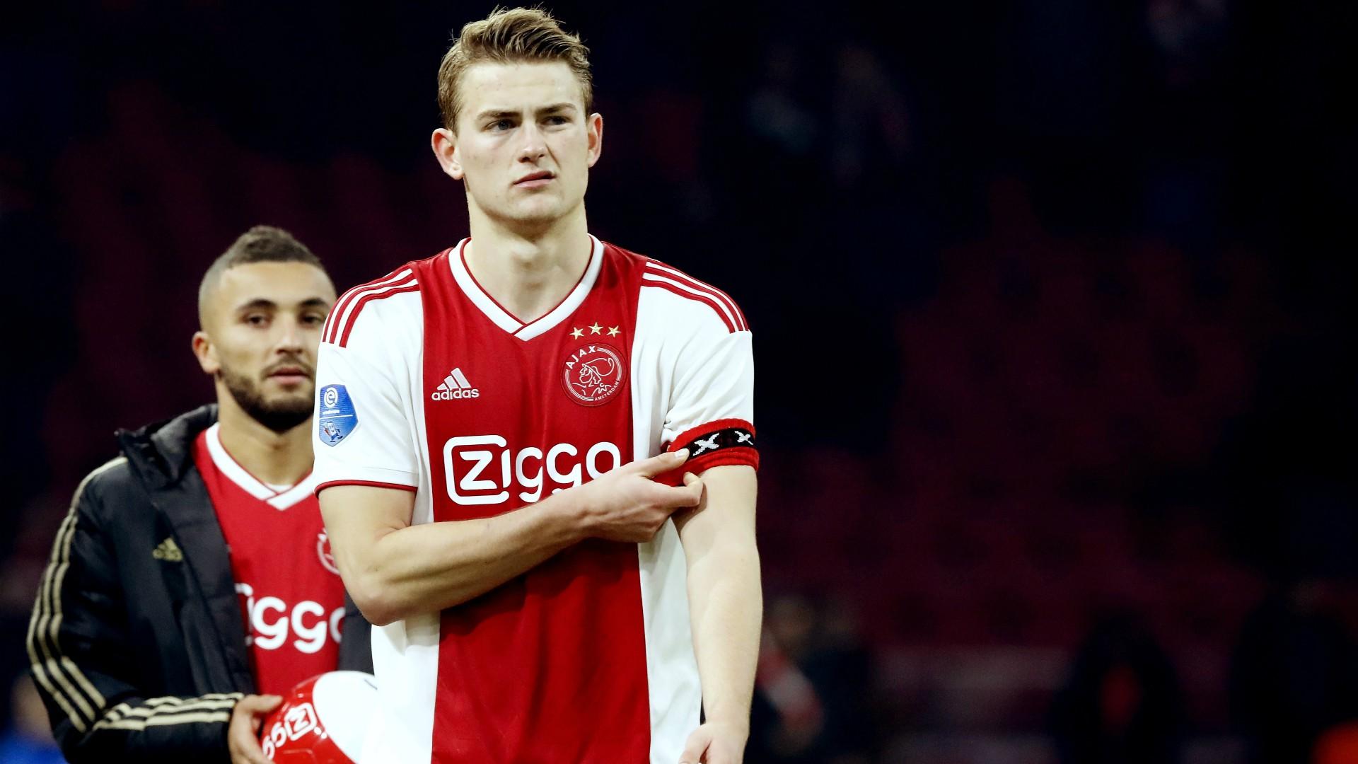 Đội trưởng 19 tuổi đẹp trai như thiên thần của Ajax phải cắt quần thi đấu vì đùi quá to - Ảnh 9.