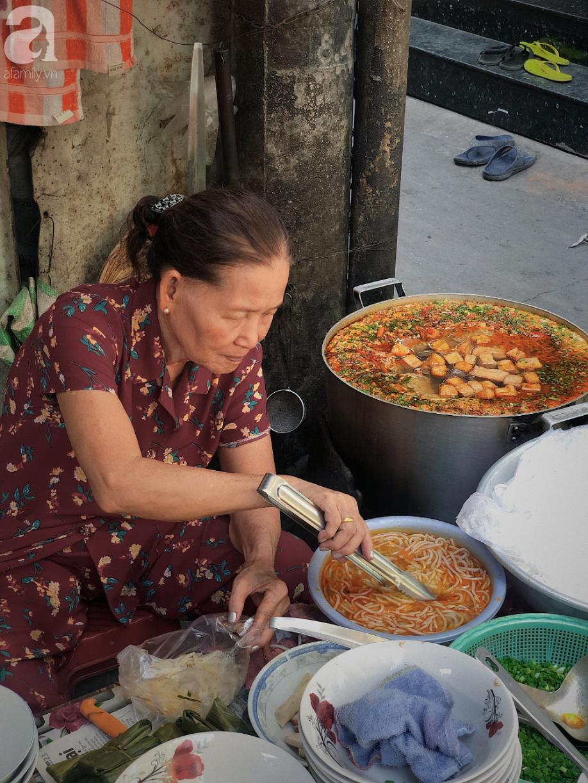 Quán ăn nhỏ hơn 40 năm tuổi góp phần làm nên văn hóa ẩm thực hẻm Sài Gòn: 7 ngày bán 7 món khác nhau, tuyệt hảo nhất chính là món chay - Ảnh 14.