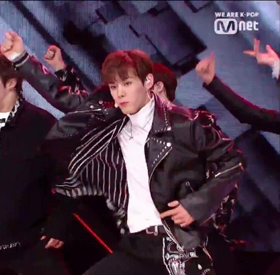 Produce X 101: Netizen tiếc nuối cho tài năng của cựu thí sinh bị đuổi vì scandal sau màn trình diễn quá đỉnh - Ảnh 3.