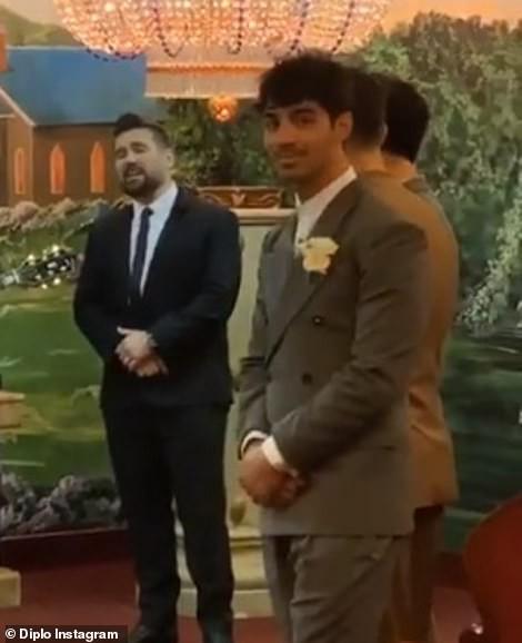 Tổ chức hôn lễ ngay sau Billboard Music Awards, cặp đôi cưới thần tốc nhất Hollywood gọi tên Joe Jonas - Sophie Turner - Ảnh 2.