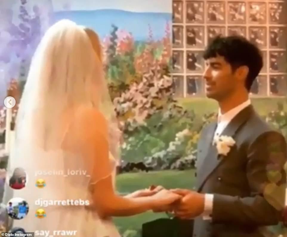 Tổ chức hôn lễ ngay sau Billboard Music Awards, cặp đôi cưới thần tốc nhất Hollywood gọi tên Joe Jonas - Sophie Turner - Ảnh 4.