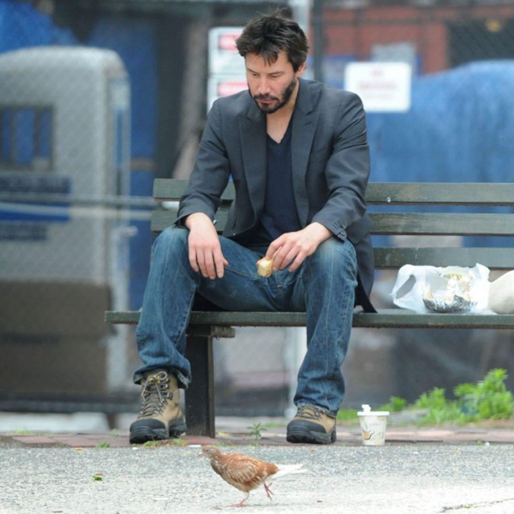 Không còn là Keanu chán đời, tài tử Keanu Reeves giờ đã là gương mặt đại diện chất như nước cất của Saint Laurent - Ảnh 2.