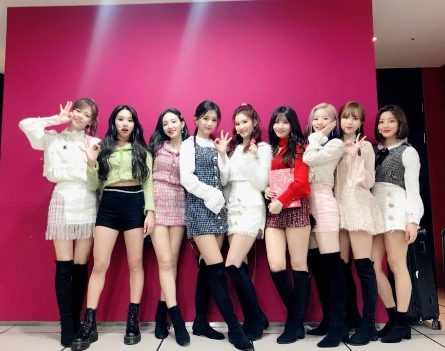 20 album bán chạy nhất tuần đầu của girlgroup: Một tân binh