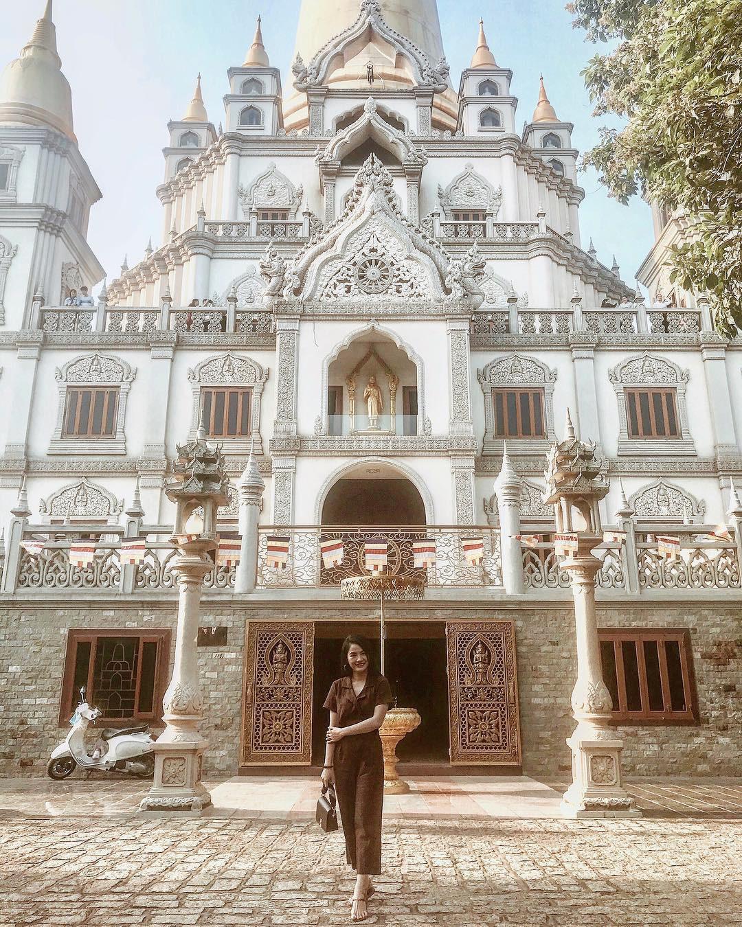"""Rời khỏi lòng thành phố ồn ào một chút để ghé ngôi chùa """"độc nhất vô nhị"""" ở Sài Gòn đang hot ầm ầm trên mạng"""