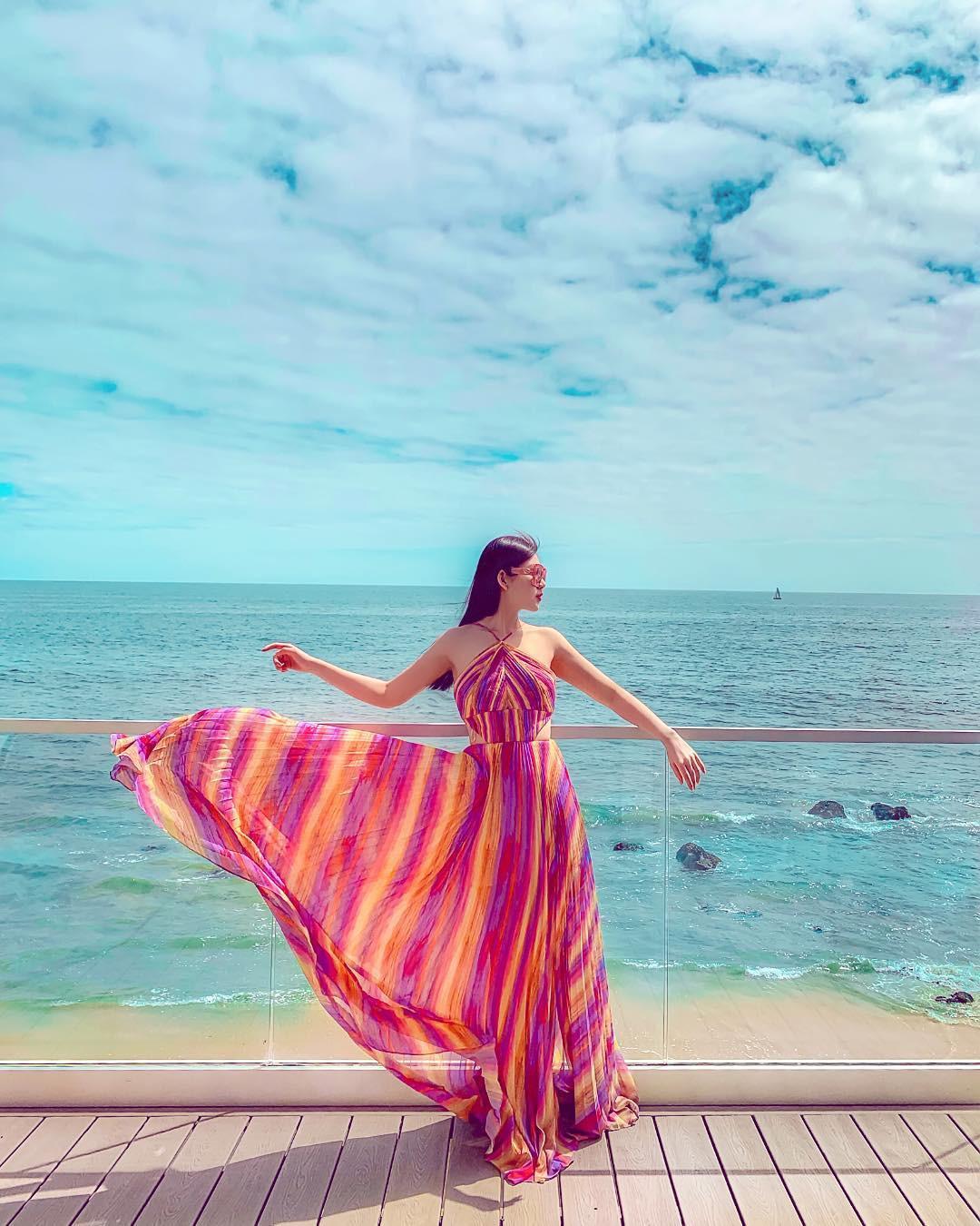 Đầu hè, hội richkid Việt đã chu du vòng quanh thế giới: Người khoe body nóng bỏng bên bờ biển, người check-in sang chảnh tại trời Âu - Ảnh 10.