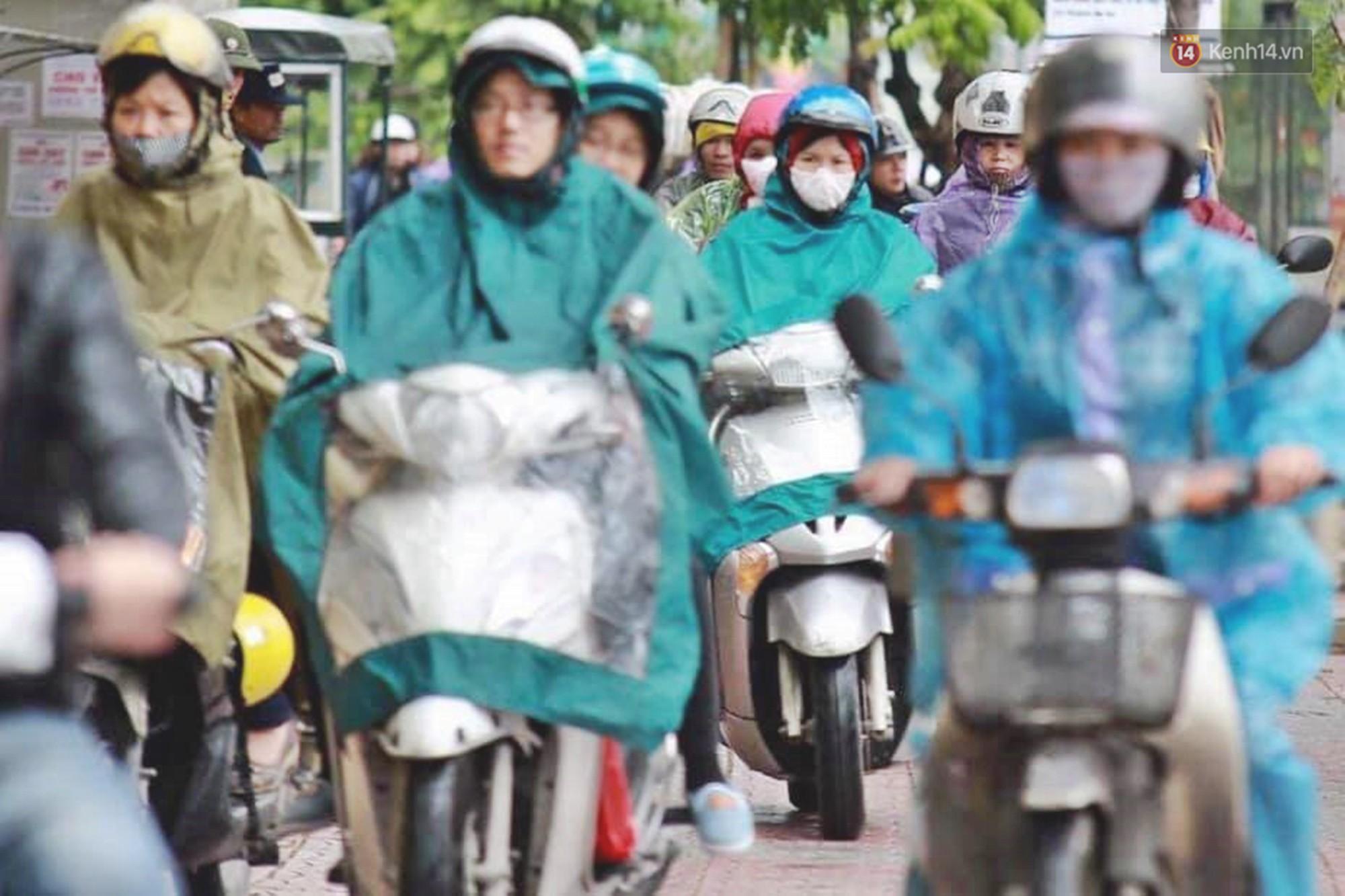 Ảnh: Đường phố Hà Nội tắc nghẽn kinh hoàng trong ngày làm việc đầu tiên sau kỳ nghỉ lễ 30/4 - 1/5 - Ảnh 7.
