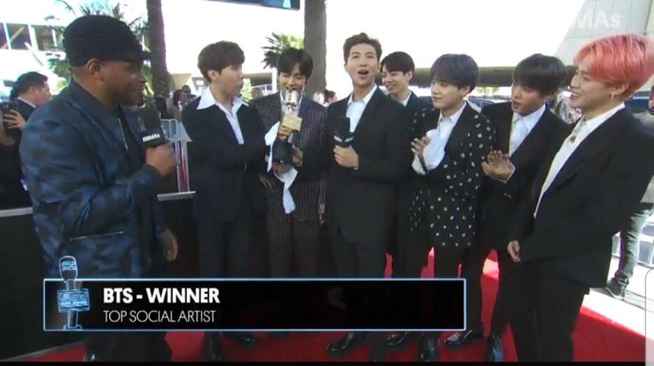 Chấn động: BTS đánh bại tất cả các đối thủ sừng sỏ, lập nên kì tích trăm năm có một tại Billboard Music Awards! - Ảnh 1.