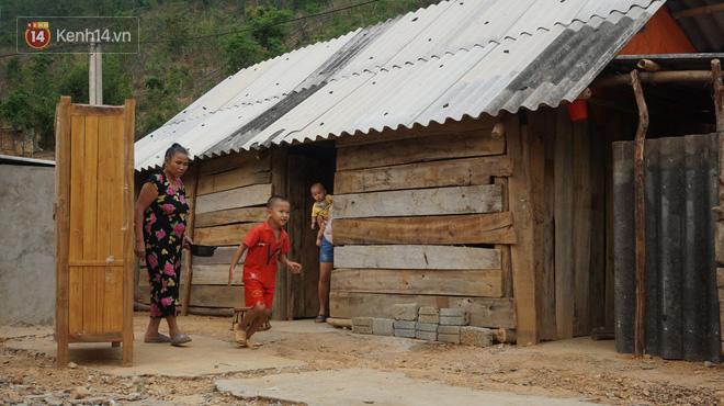 Bản làng nơi những ông trùm ma túy gieo rắc cái chết trắng: Cha mẹ chết vì HIV, con trẻ mồ côi sống lay lắt từng ngày - Ảnh 3.