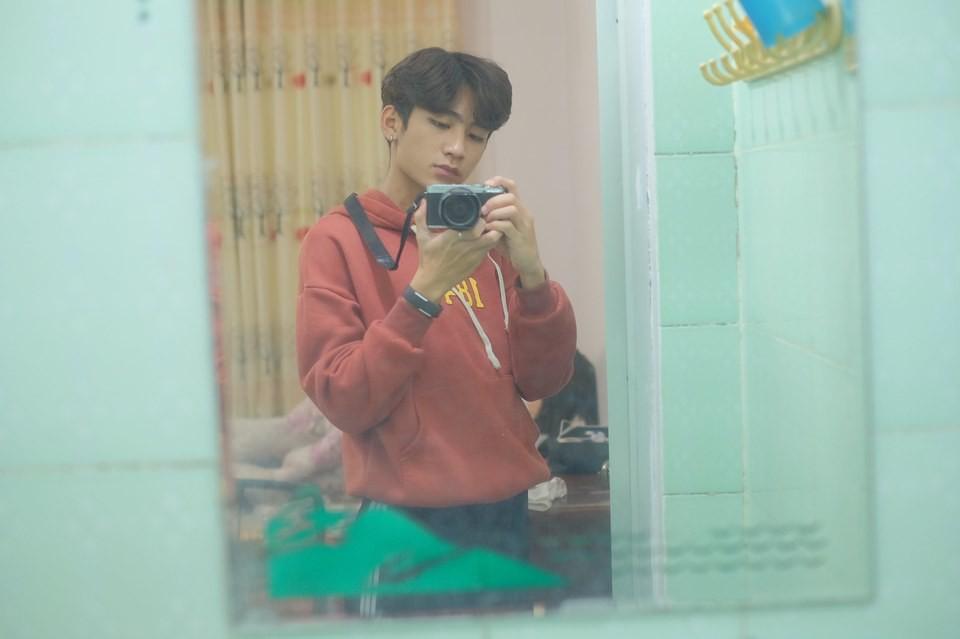 Không phải idol Hàn đang ký tặng fan đâu, đây là sinh viên ngành IT sinh năm 2000 được xin info tích cực đấy! - Ảnh 7.
