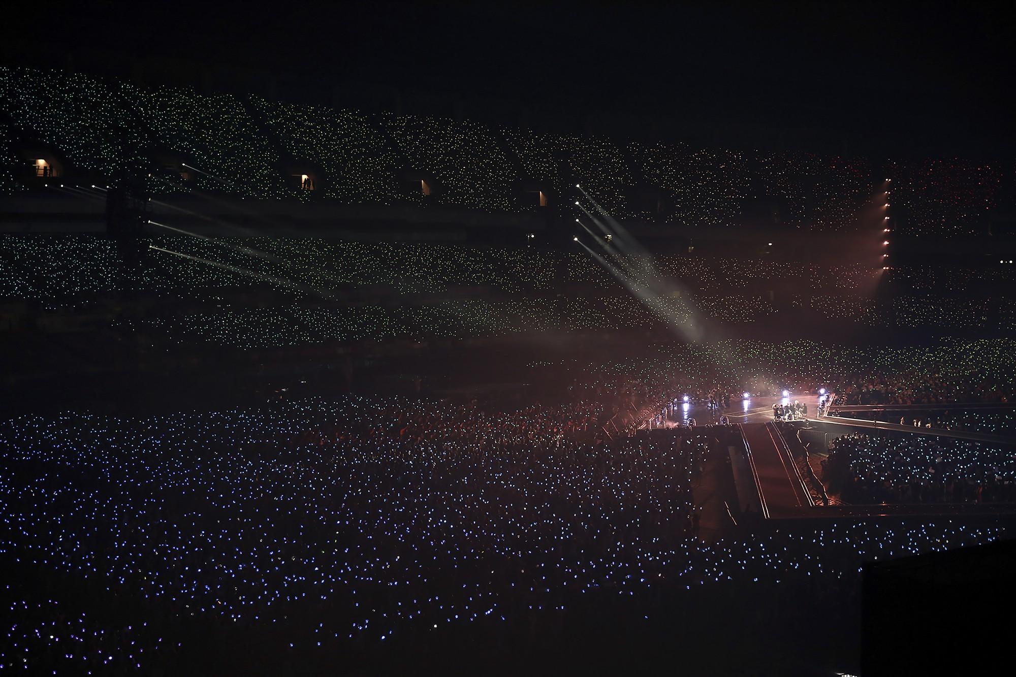 """ARMY – từ """"fandom ăn mày"""" đến đôi cánh của nhóm nhạc toàn cầu BTS - Ảnh 5."""
