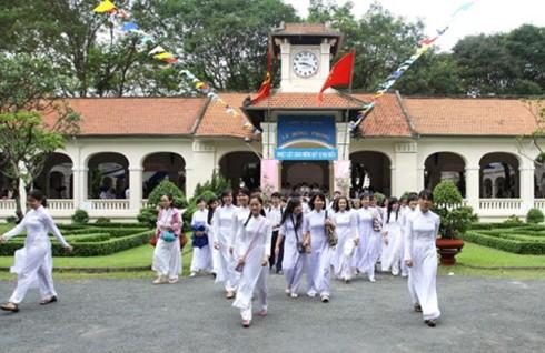 TPHCM: Tỷ lệ chọi vào Trường THPT chuyên Lê Hồng Phong cao ngất ngưởng - Ảnh 1.