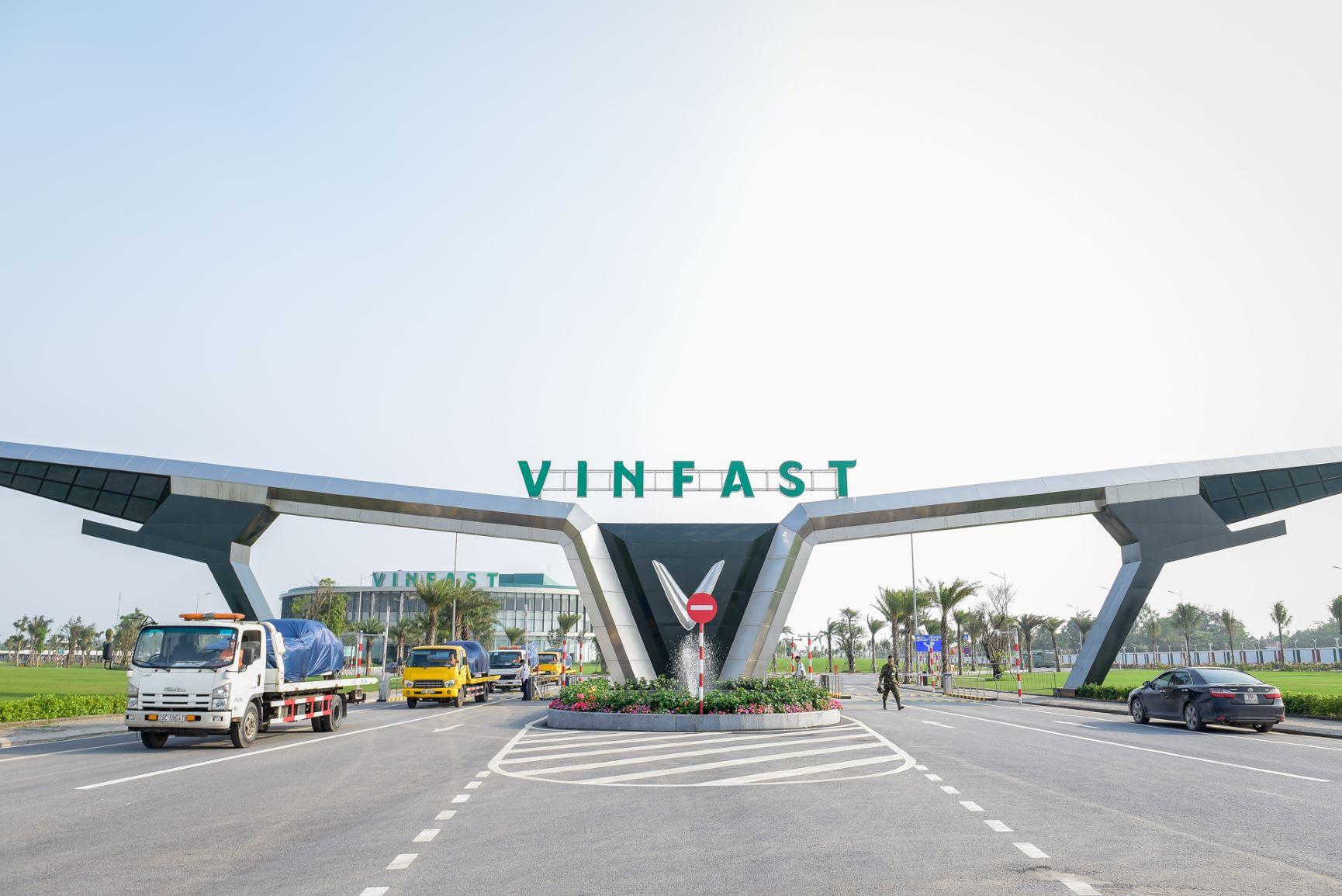 Vingroup rót 1.000 tỷ đồng thành lập công ty VinBus, vận tải hành khách bằng xe buýt điện từ tháng 3/2020 - Ảnh 1.
