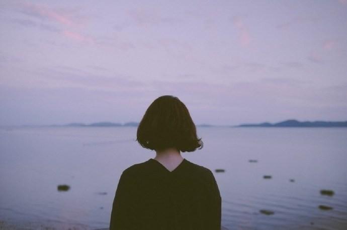 Dấu hiệu của việc sợ yêu: Có người nói thích mình thì phản ứng đầu tiên là để coi được bao lâu? - Ảnh 1.