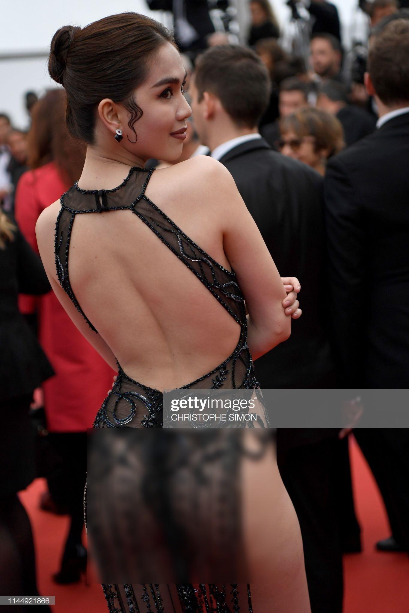 Đọ nhan sắc của Ngọc Trinh trên thảm đỏ Cannes khi chưa và đã qua phù thuỷ photoshop - Ảnh 12.