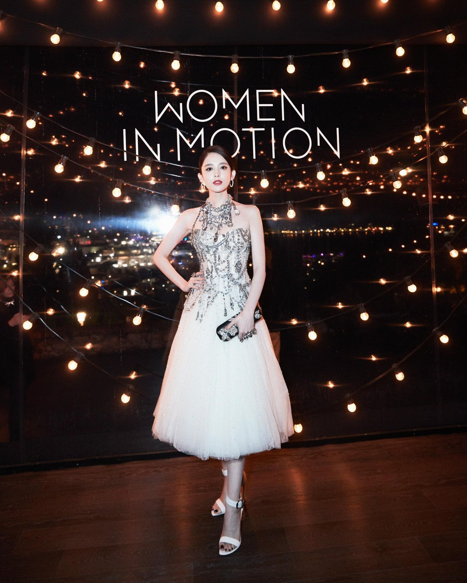 Mỹ nhân bị nhầm với Ngọc Trinh: Nàng công chúa Hoa ngữ đẹp ná thở tại Cannes bất chấp ảnh không photoshop - Ảnh 13.