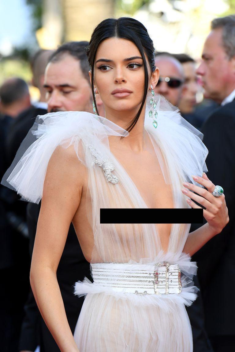 Kendall Jenner, Bella Hadid hay hotgirl Hoa ngữ từng gây sốc vì mặc như không, nhưng vẫn phải chào thua Ngọc Trinh! - Ảnh 2.