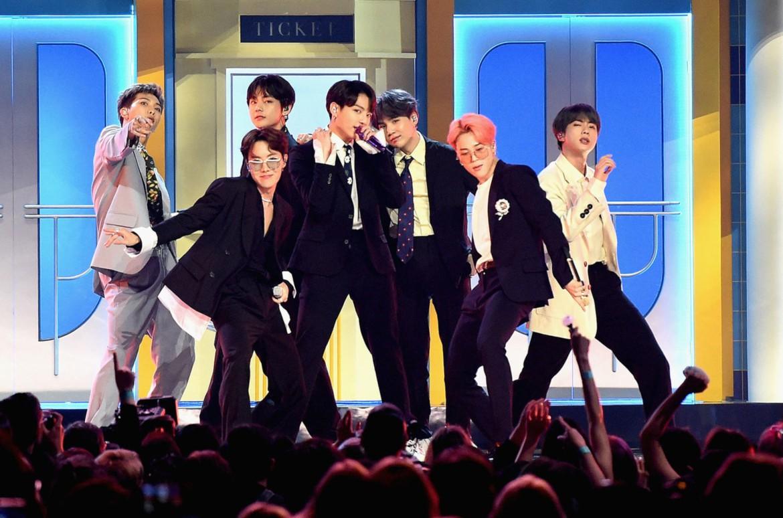 Điểm chung giữa 2 nhóm nhạc Big 3: Từng được coi là đối thủ của BTS nhưng nay lép vế, kém cả đàn em cùng nhà - Ảnh 4.