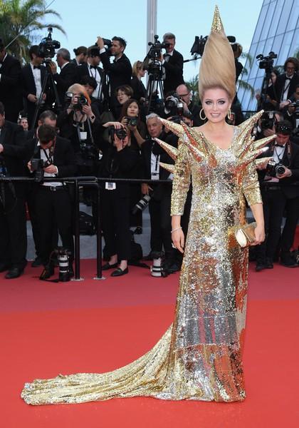 """Vén màn mặt tối đằng sau Cannes danh giá: """"Ngày hội tiền lương"""" của gái mại dâm và cơ hội vàng cho những kẻ vô danh đổi đời - Ảnh 7."""