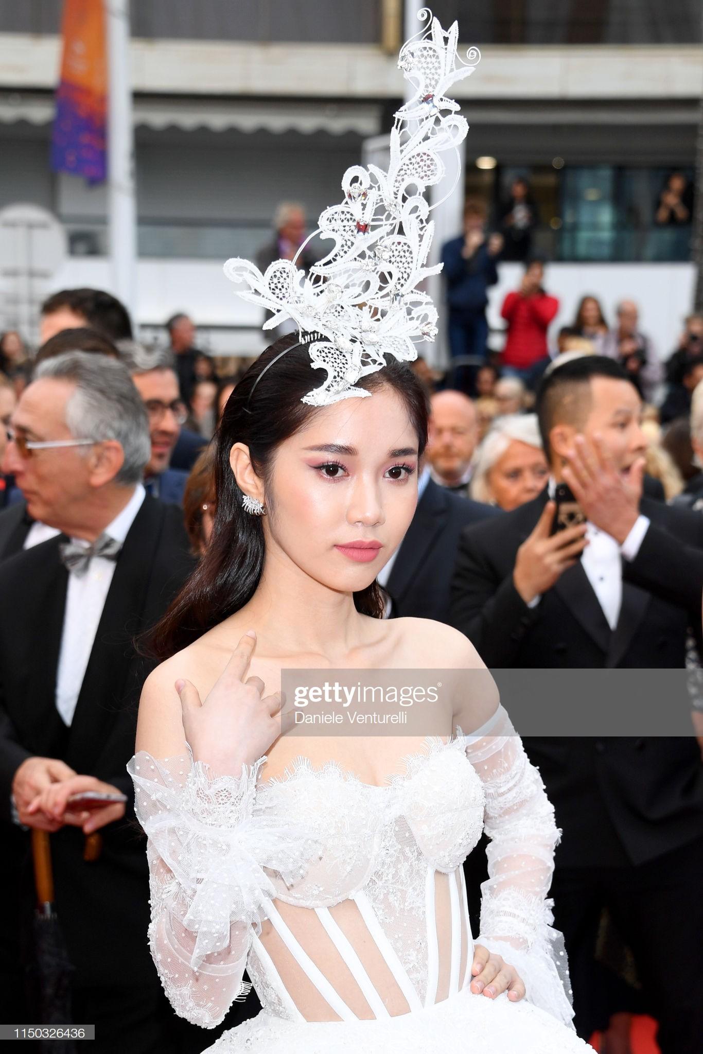 Thêm mỹ nhân Việt xuất hiện tại Cannes: Ăn mặc diêm dúa, cố tình chơi trội, hoá ra là người quen của Ngọc Trinh - Ảnh 3.