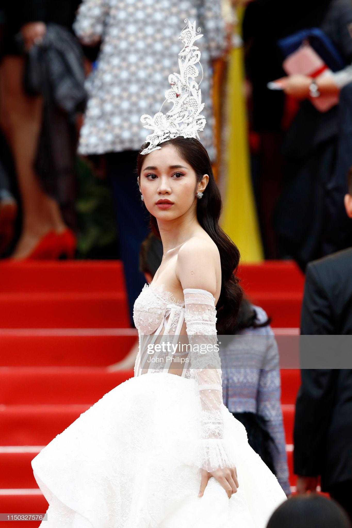 Thêm mỹ nhân Việt xuất hiện tại Cannes: Ăn mặc diêm dúa, cố tình chơi trội, hoá ra là người quen của Ngọc Trinh - Ảnh 2.