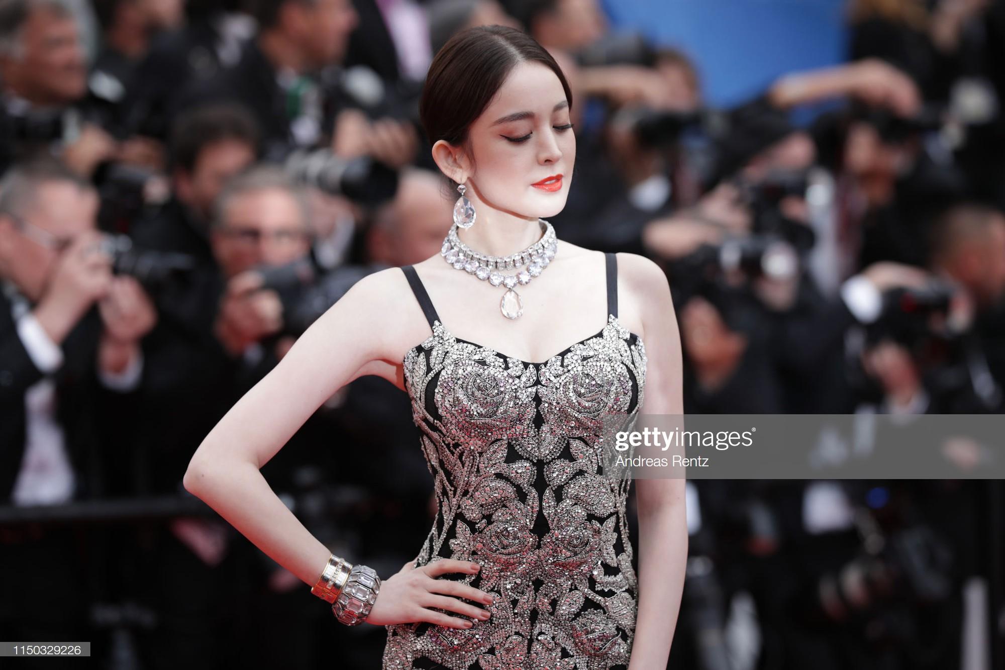 Mỹ nhân bị nhầm với Ngọc Trinh: Nàng công chúa Hoa ngữ đẹp ná thở tại Cannes bất chấp ảnh không photoshop - Ảnh 7.