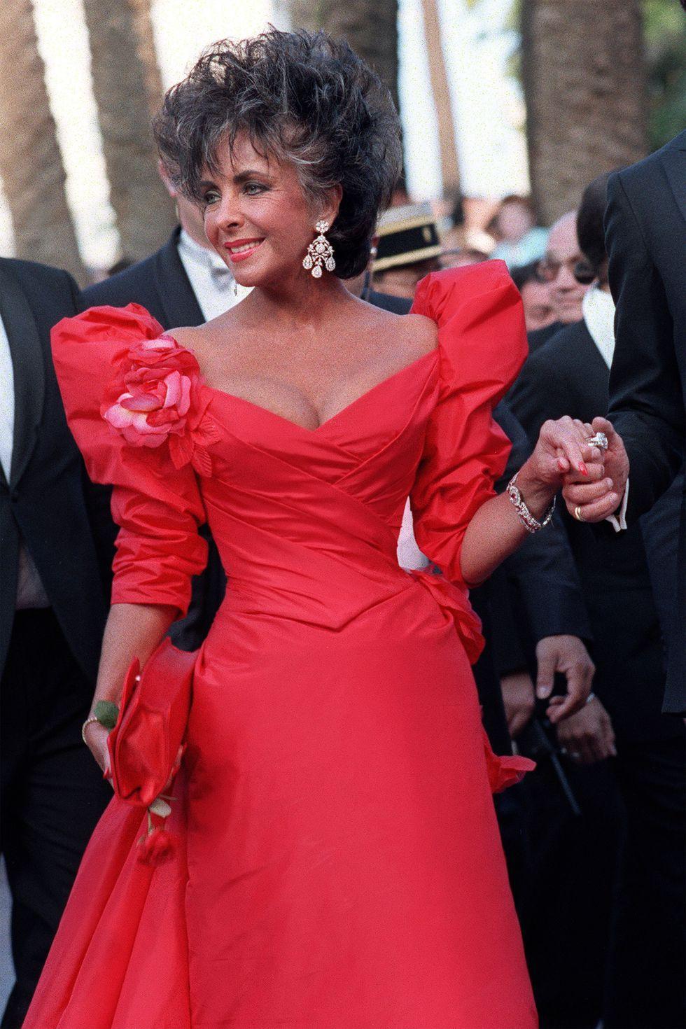 30 màn thả dáng có thần thái đi vào huyền thoại Cannes: Không cần trò vạch, phơi lồng lộn vẫn chiếm trọn spotlight! - Ảnh 4.