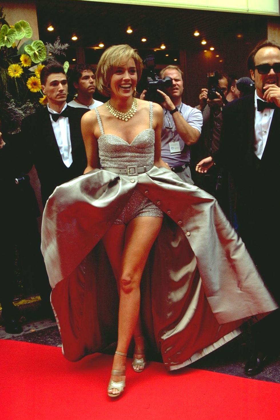 30 màn thả dáng có thần thái đi vào huyền thoại Cannes: Không cần trò vạch, phơi lồng lộn vẫn chiếm trọn spotlight! - Ảnh 6.