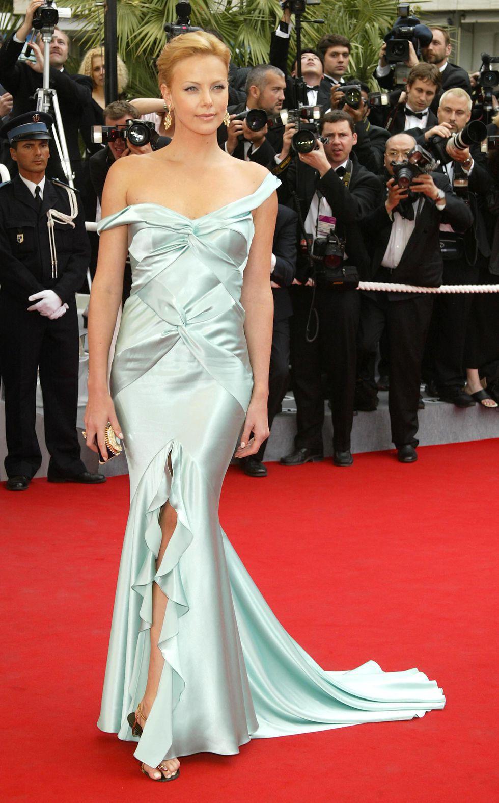 30 màn thả dáng có thần thái đi vào huyền thoại Cannes: Không cần trò vạch, phơi lồng lộn vẫn chiếm trọn spotlight! - Ảnh 7.