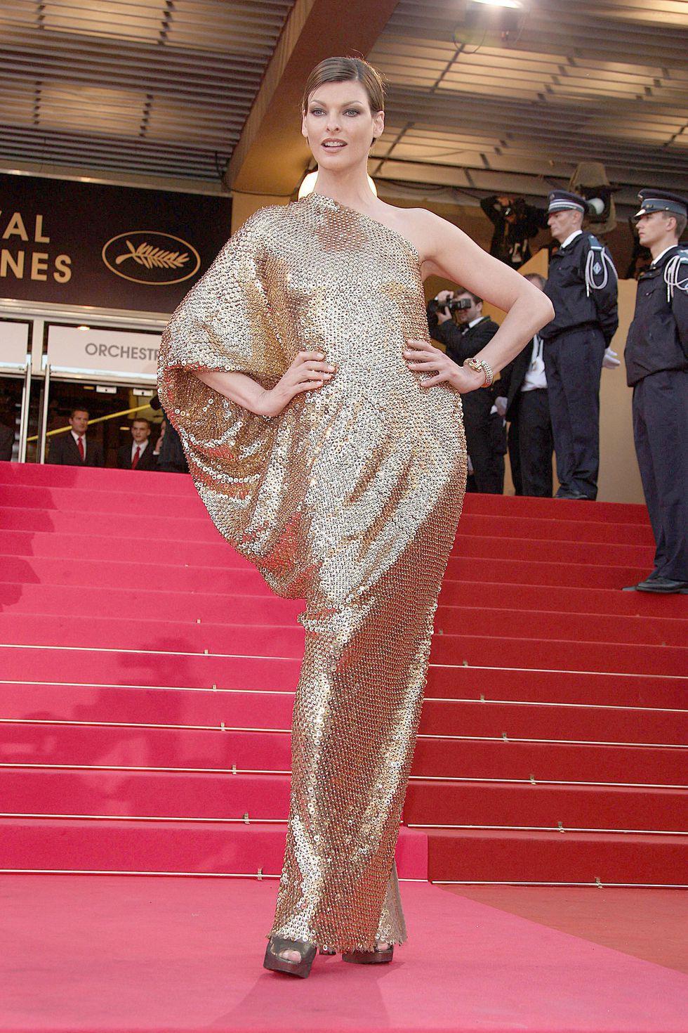 30 màn thả dáng có thần thái đi vào huyền thoại Cannes: Không cần trò vạch, phơi lồng lộn vẫn chiếm trọn spotlight! - Ảnh 10.