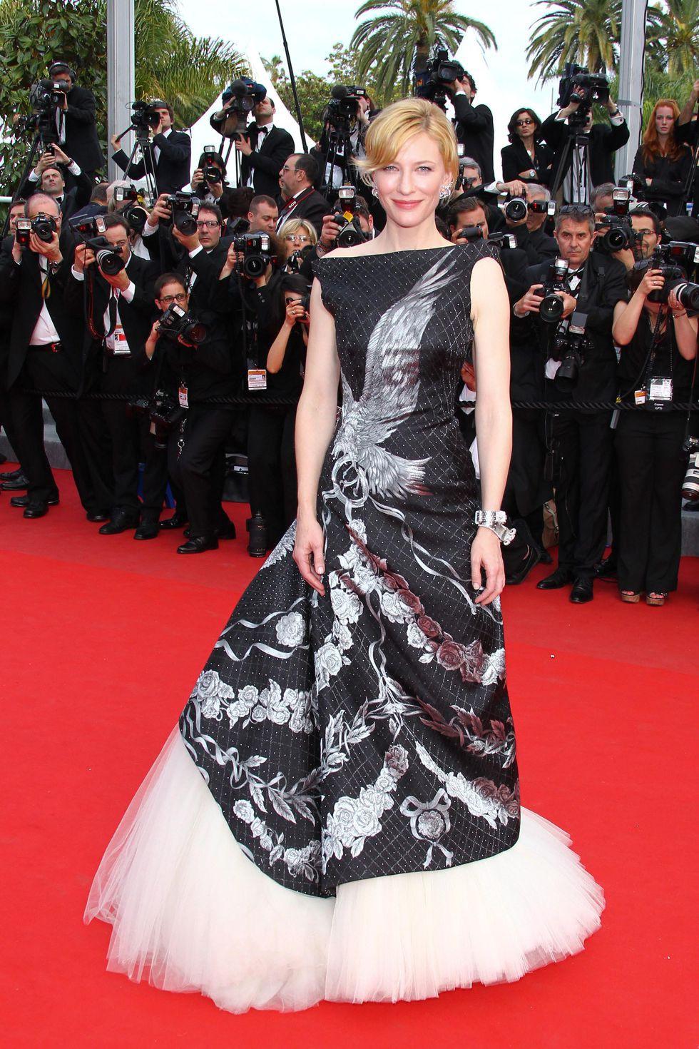 30 màn thả dáng có thần thái đi vào huyền thoại Cannes: Không cần trò vạch, phơi lồng lộn vẫn chiếm trọn spotlight! - Ảnh 12.