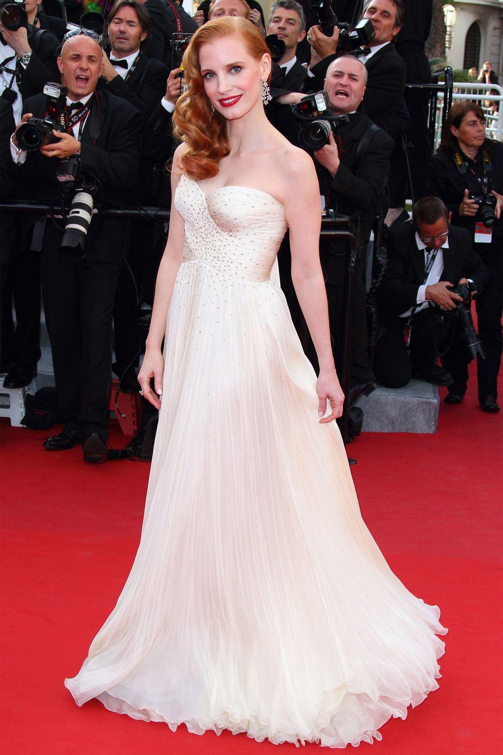 30 màn thả dáng có thần thái đi vào huyền thoại Cannes: Không cần trò vạch, phơi lồng lộn vẫn chiếm trọn spotlight! - Ảnh 15.