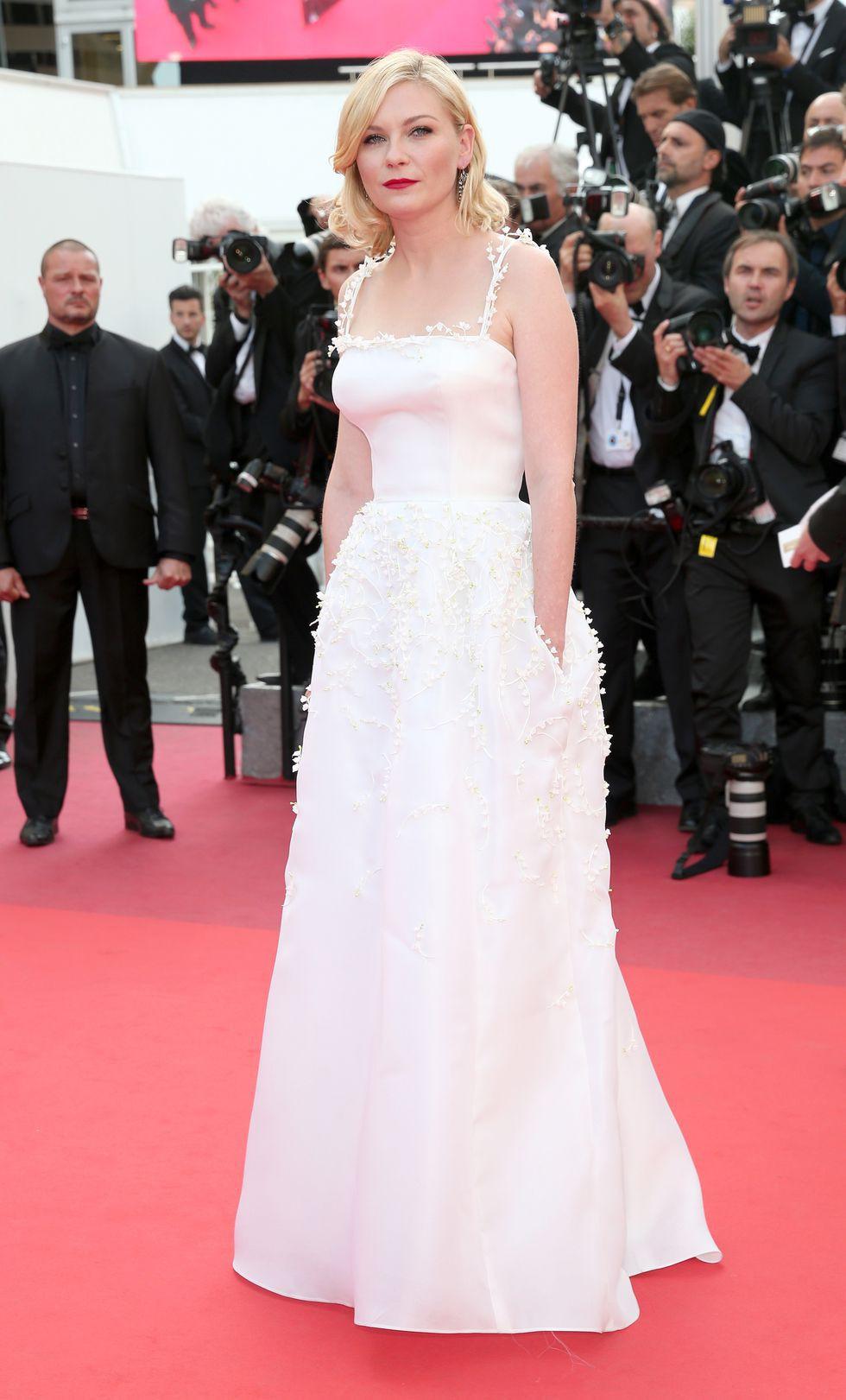 30 màn thả dáng có thần thái đi vào huyền thoại Cannes: Không cần trò vạch, phơi lồng lộn vẫn chiếm trọn spotlight! - Ảnh 23.