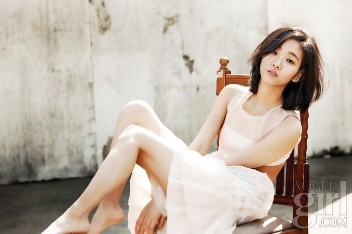 Nàng thơ mới của Lee Min Ho: Đẹp cực lạ, từ kiều nữ phim 18+ thành tình đầu và chuyện hẹn hò tài tử hơn 17 tuổi - Ảnh 9.