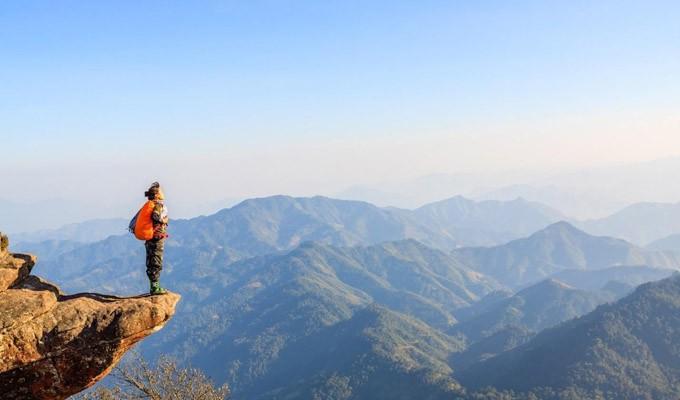 Đỉnh Putaleng vừa ra thông báo cấm du khách trekking khi chưa xin giấy phép - Ảnh 1.