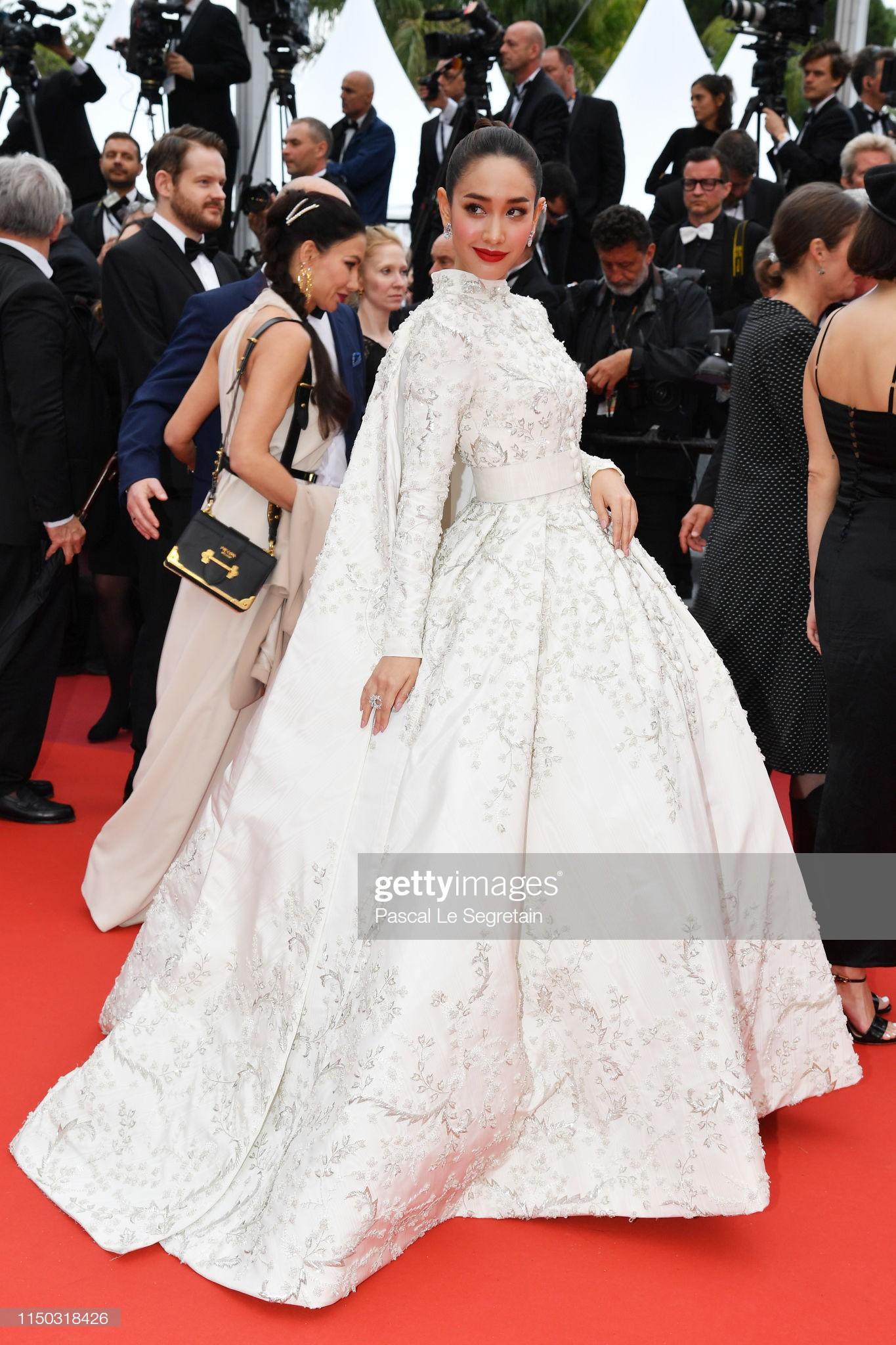 3 cấp độ quyền lực thảm đỏ ở Cannes: Phạm Băng Băng mới chỉ hạng VIP, còn Ngọc Trinh hạng chíp chíp? - Ảnh 4.
